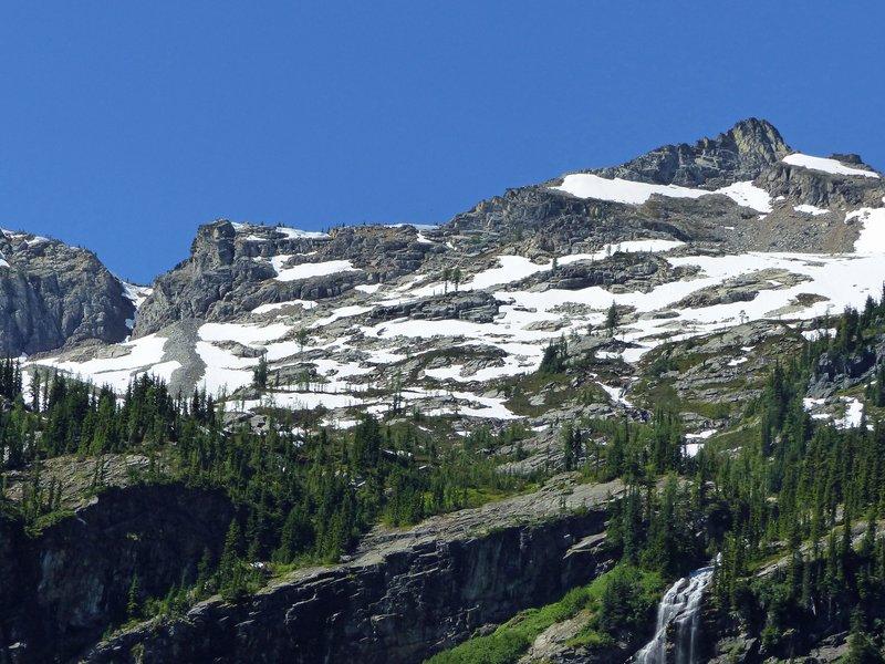 Mountain views at Rainy Lake, N Cascades NP