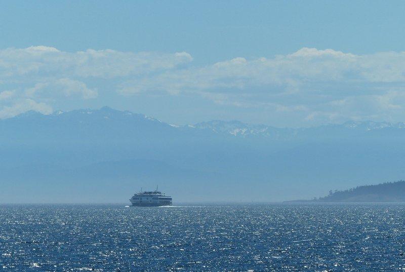 Sailing to San Juan Island
