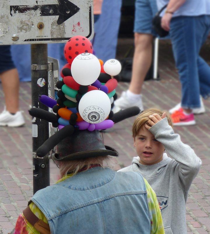 Balloon modeller, Pike Place Market