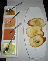 6468877-Garlic_bread_and_dips_Cuenca.jpg