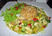 6468880-Chicken_in_tree_tomato_sauce_Cuenca.jpg