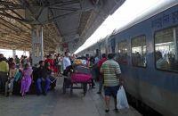 7524352-Agra_station_Agra.jpg
