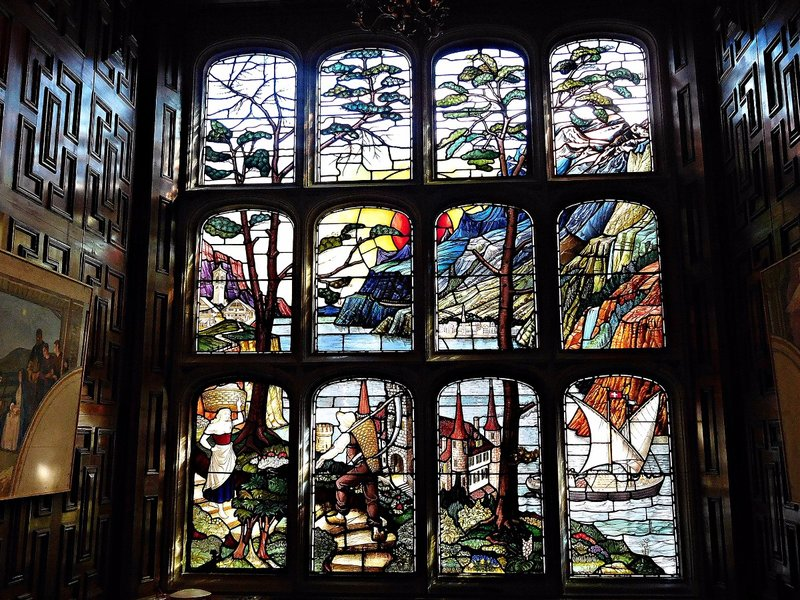 Two Temple Place: stained glass  window