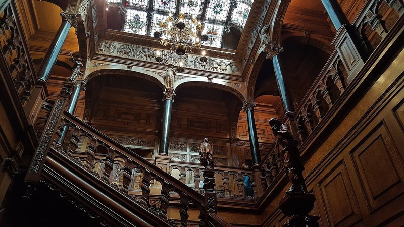 Two Temple Place Staircase: another view