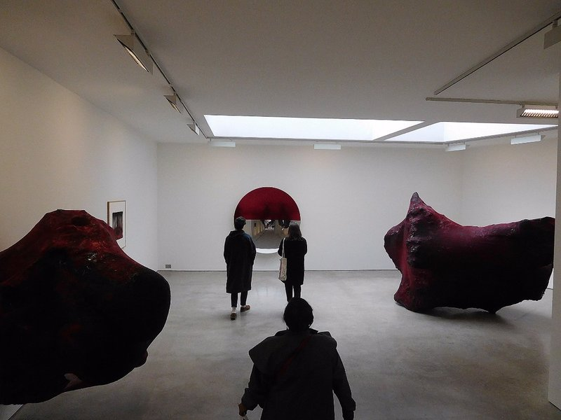 BELLSTR 13 Lisson Gallery east Anish Kapoor