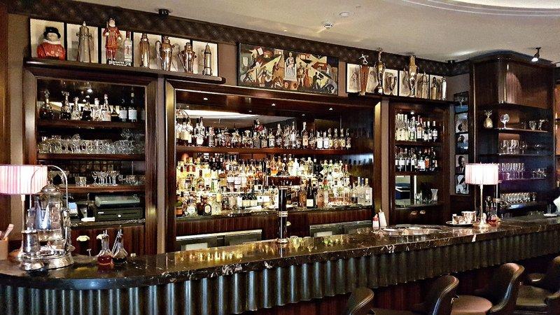 BMNT 2 Beaumont Hotel bar