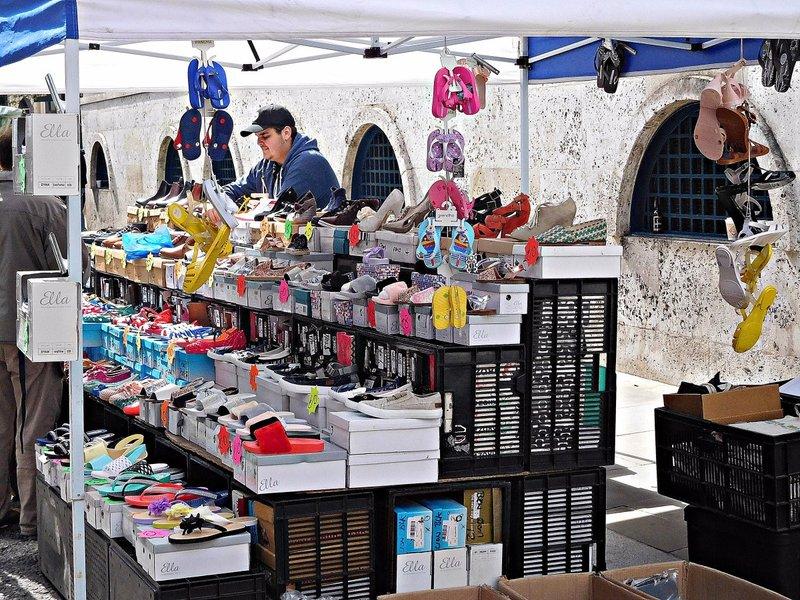 BRICK 0av Middlesex Street Petticoat Lane Market