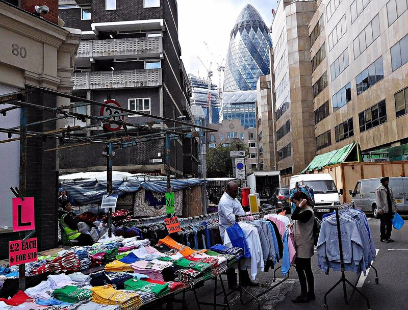 BRICK 0avi Middlesex Street Petticoat Lane Market