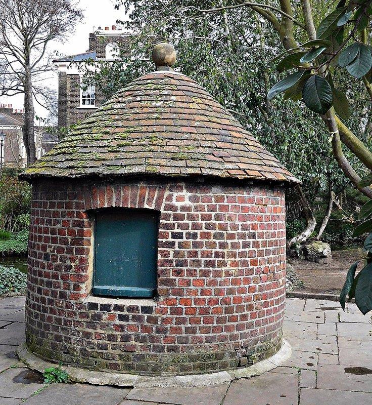 NEW RIVER WALK: watchmans hut