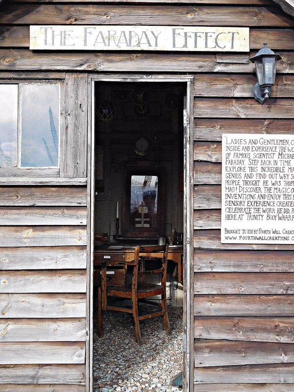 Faraday  Effect hut