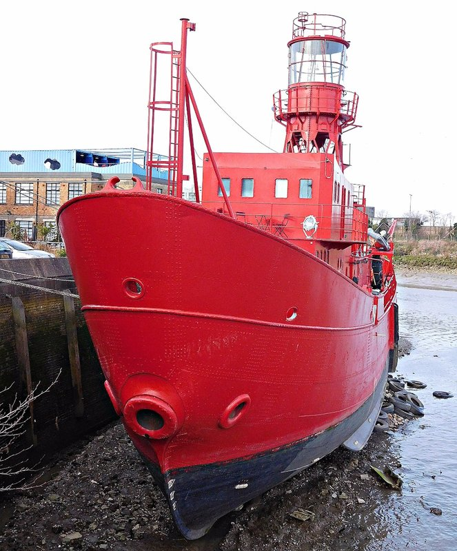 CITISLE 20  Leamouth City Island lightship used as studio
