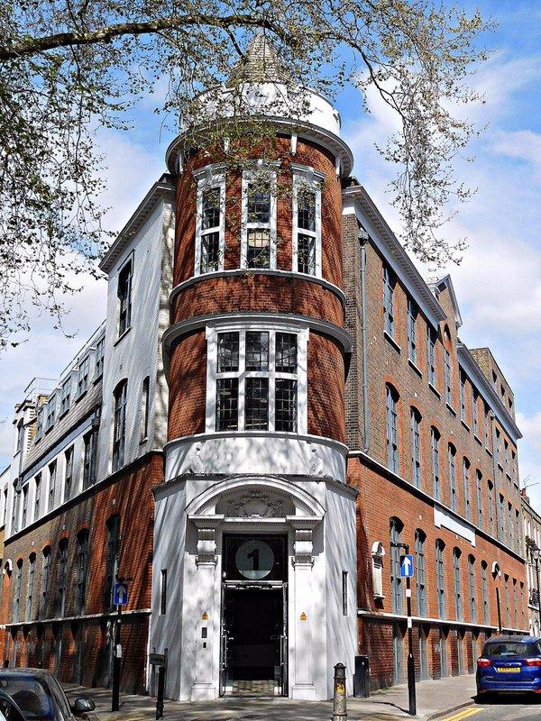 Corner of St James Walk and Sekforde Street: former  John Groom's New Crippleage 'factory'