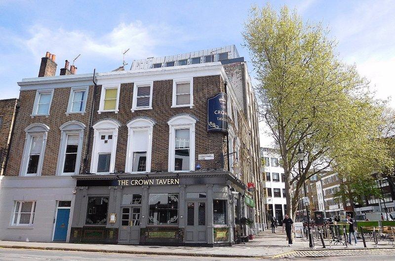 Clerkenwell Green: Crown Tavern