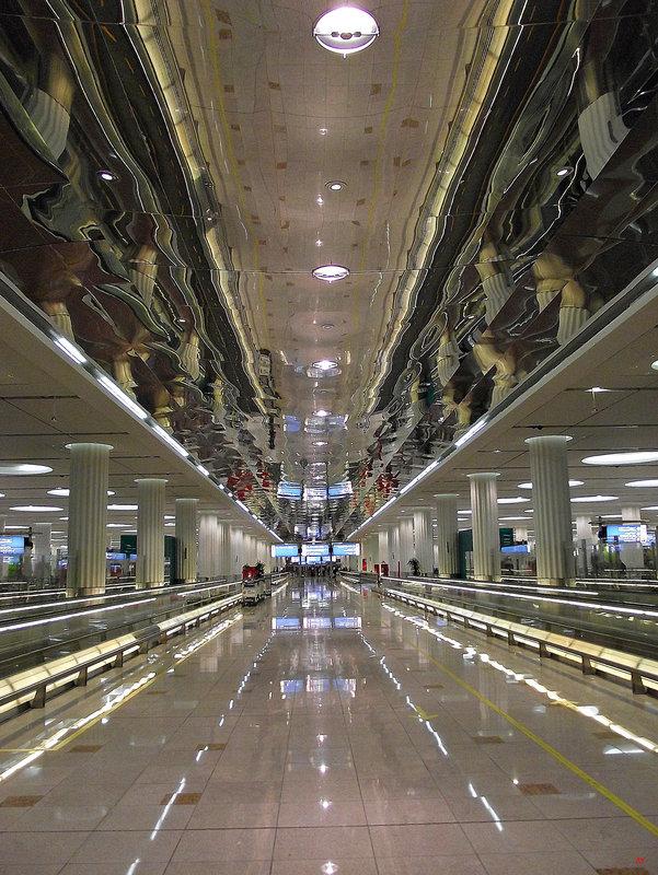 Dubai: in the airport