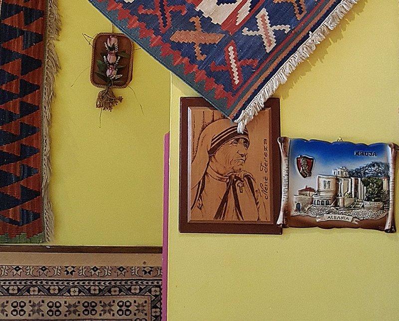 La Barca: Mother Teresa and Krujë
