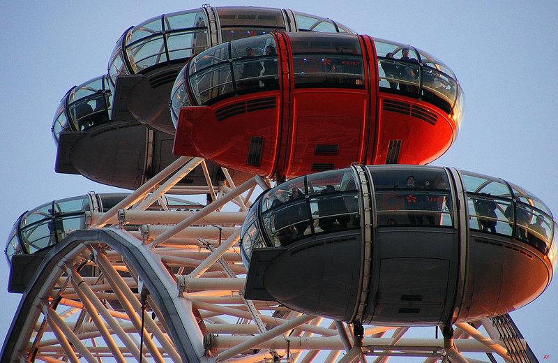 Passenger pods on the London Eye