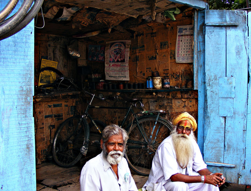Near HAMPI: KISKINDA Cycle repair shop