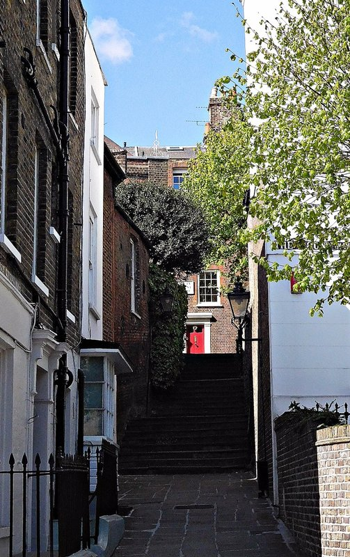 HAMPS 27 Heath Street alley with steps