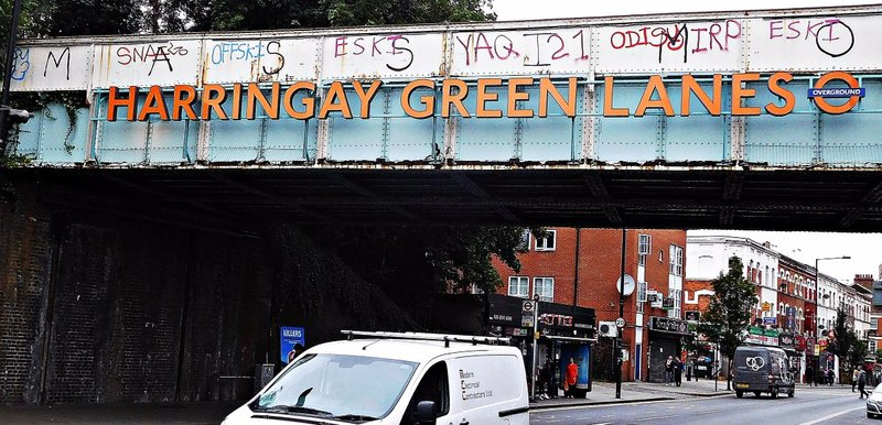 Green Lanes Station