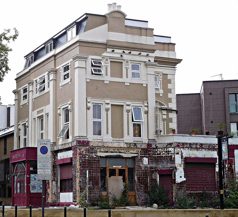 White House pub now closed on Green Lanes