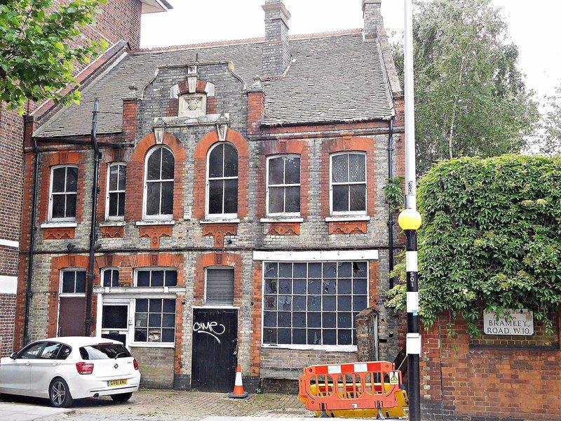 Derelict house Bramley Road