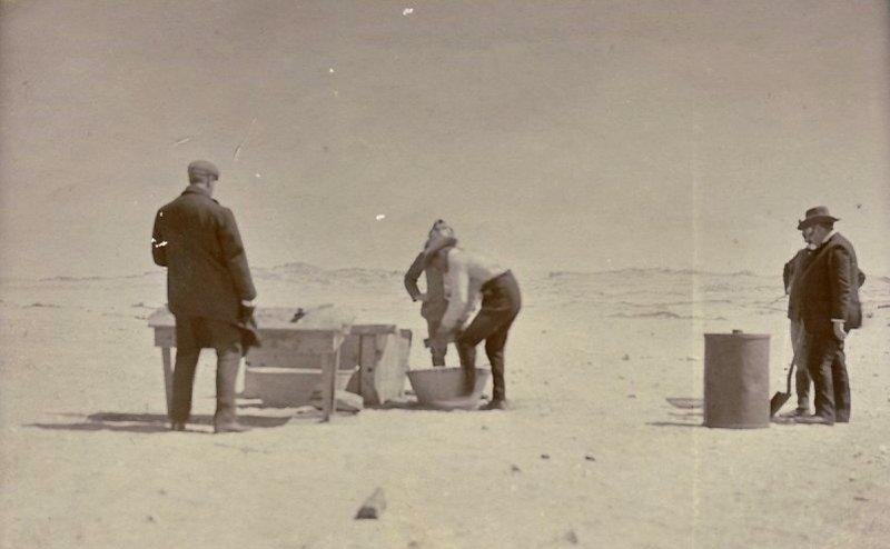 KOLM 3 Kolmanskop: washing diamonds