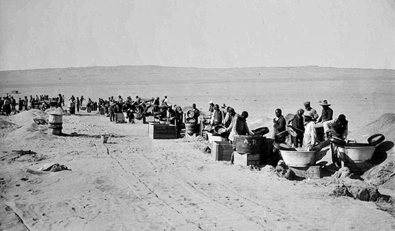 Kolmanskop:  African workers
