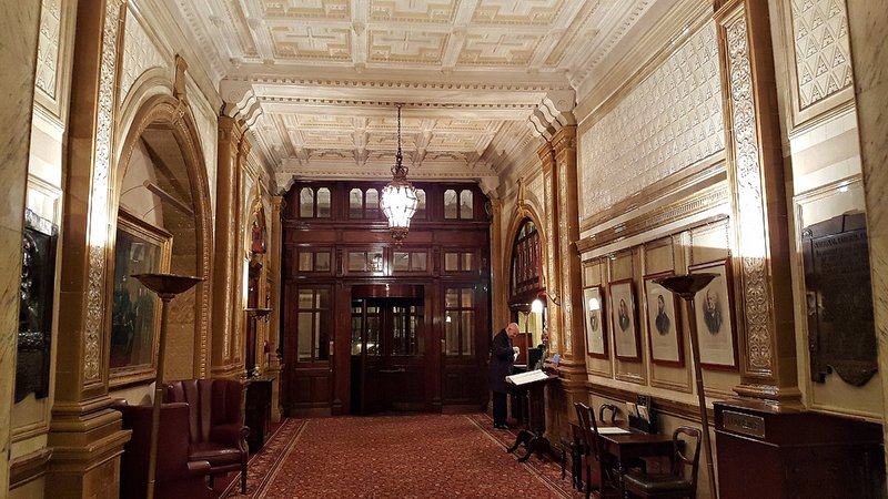 Entrance lobby National Liberal Club