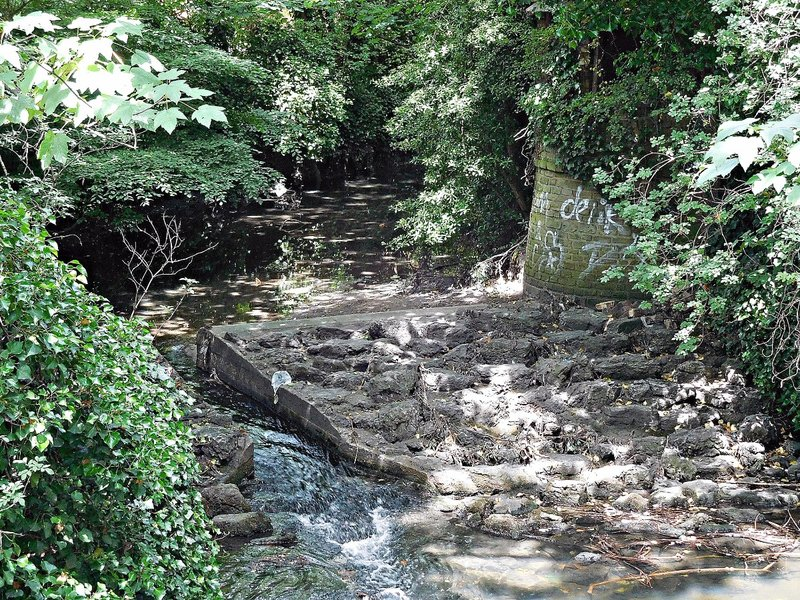 Weir at former Brent Bridge House