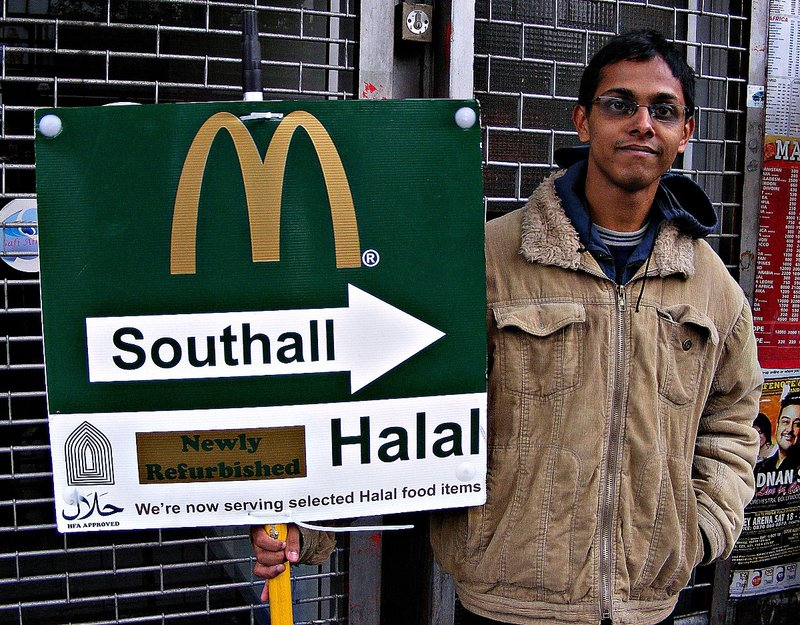 Mc Don-HALAL-ds. In southall