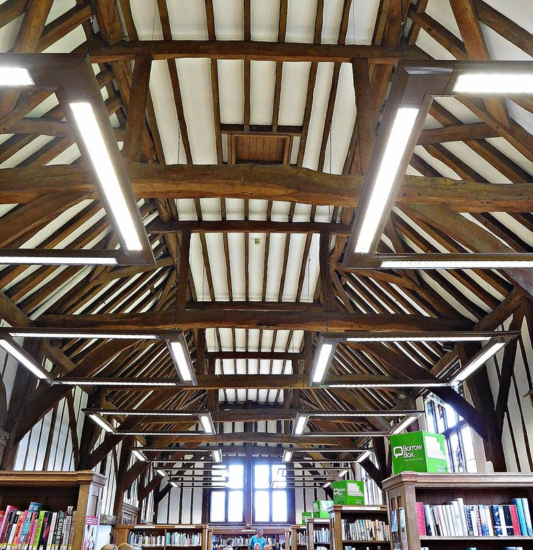 i Manor Farm Ruislip: public library inside Little Barn