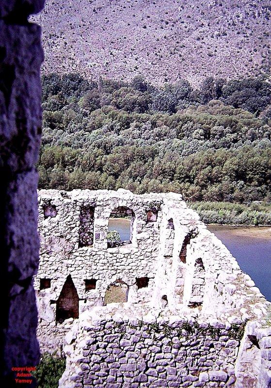POCITELJ 1975: Neretva River and castle ruins