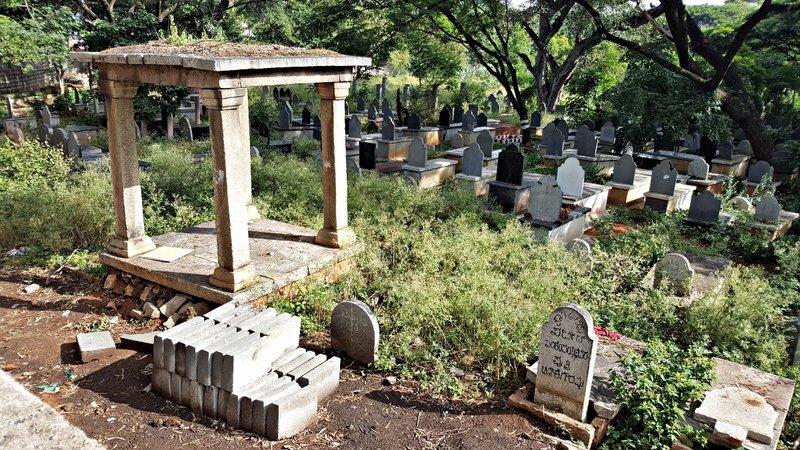 SANG 1a Hindu graves at Lalbagh crematorium
