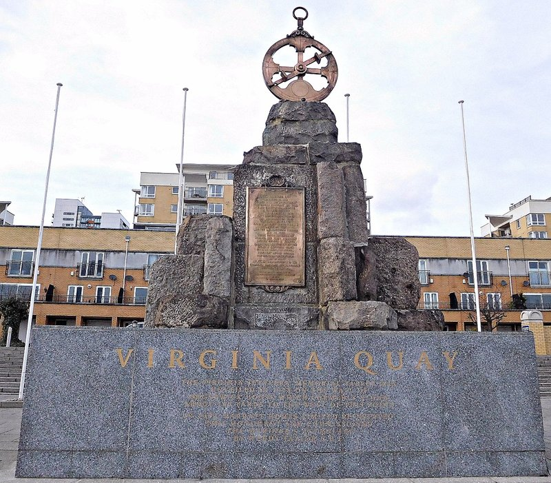 Virginia Quay: Monument to the settlers in Virginia