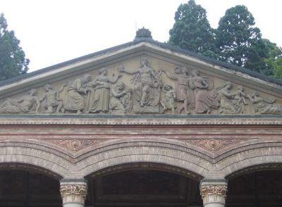4164170-Relief_above_the_entrance_Baden_Baden.jpg