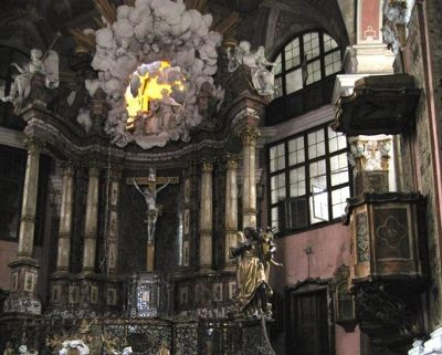 4286859-Interior_of_the_palace_church_Rastatt.jpg