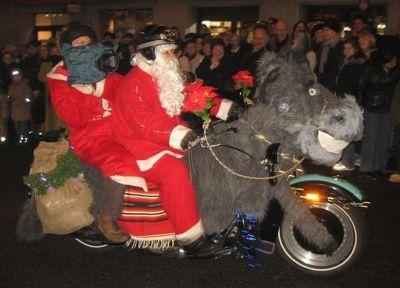 4291321-Vroooommm_Santa_Claus_Basel.jpg