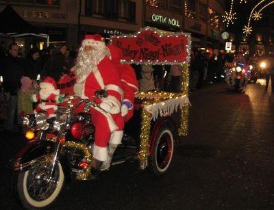 4292651-St_Nikolaus_Day_December_6.jpg