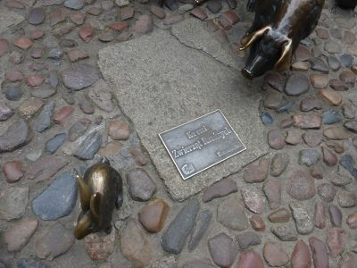 458515987172631-Monument_to_..ls_Wroclaw.jpg