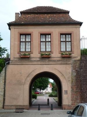 5087451-Porte_de_Landau_Lauterbourg.jpg