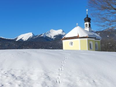 The Hike (3): Little Yellow Chapel - Mittenwald