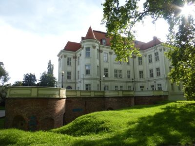 7169526-LESNICA_The_Palace_Wroclaw.jpg