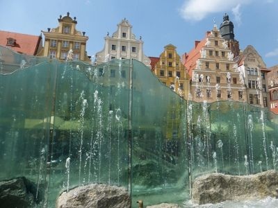 7180188-The_Modern_Fountain_Photo_Tip_Wroclaw.jpg