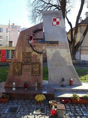 874770987542019-Memorial_Gol..t_Olesnica.jpg