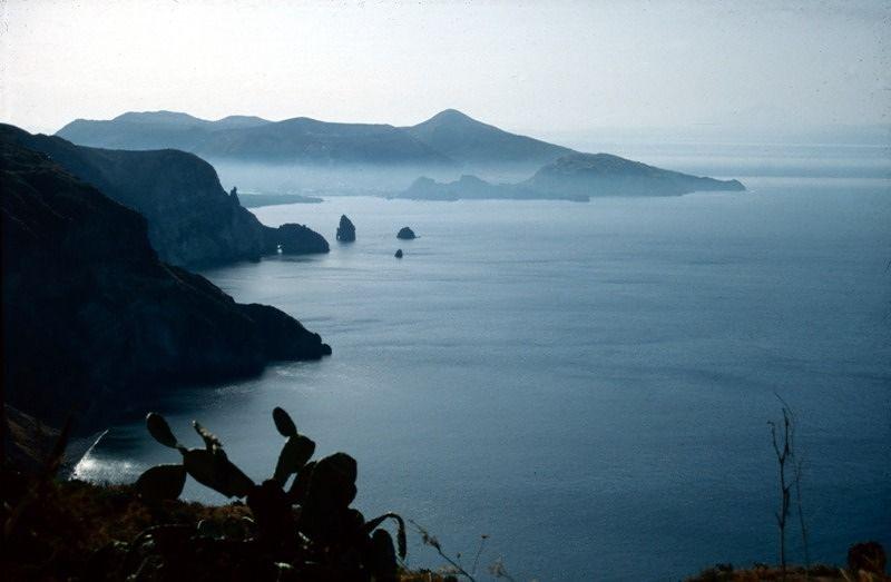 View from Lipari to Vulcano and the Faraglioni - Sicilia