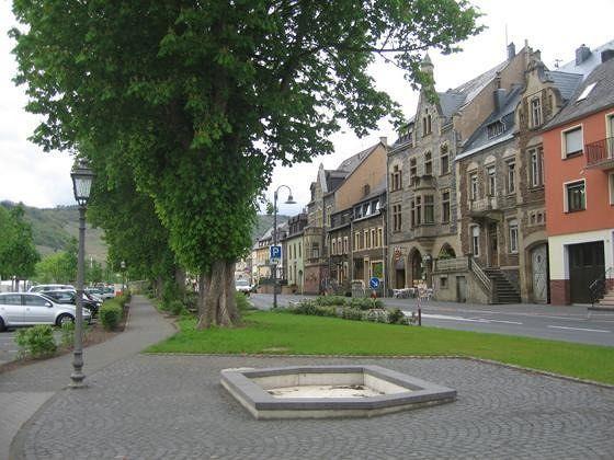 Uferstraße - Zeltingen-Rachtig