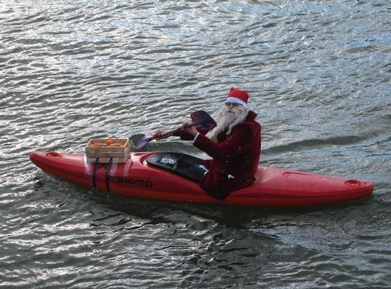 large_4291337-Nikolaus_paddling_on_the_Rhine_Basel.jpg