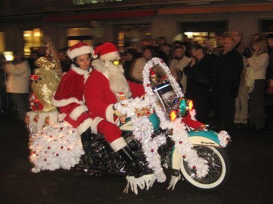 large_4291345-Harley_Santa_Claus_parade_Basel.jpg