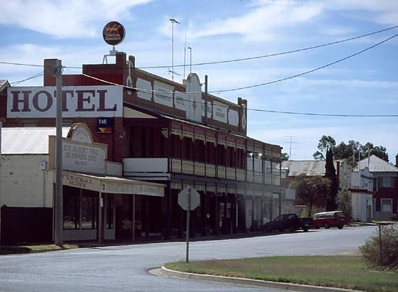 Old hotel in Ouyen - Mildura