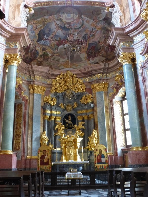 large_7156829-Hochberg_chapel_Wroclaw.jpg